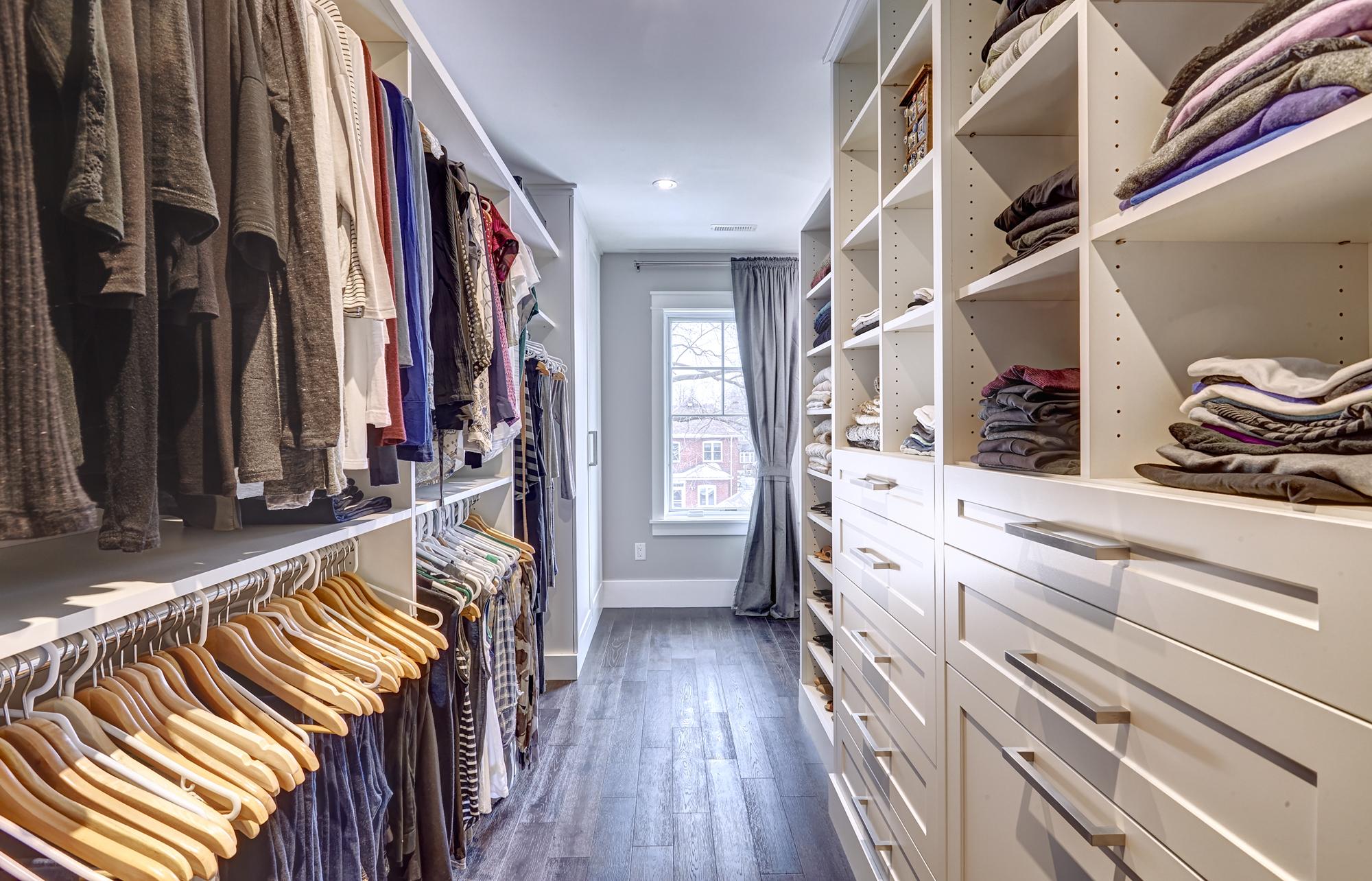 換季小貼士 整理衣櫃有妙法 四招助你清理不要的舊衣物 Storage Select︱迷你倉 ‧ 一網全搜